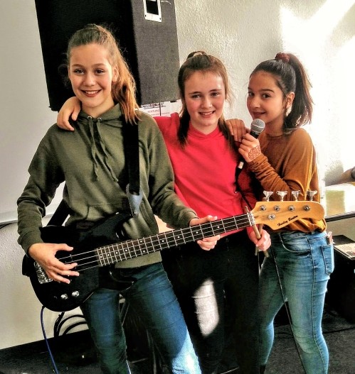 2018 Die Class-5-Band Paula, Emily, Fetin (6 Lena - leider krank)